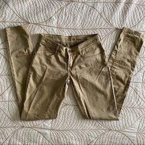 NWOT Levi's Bold Curve Khaki Skinny Jean Pants